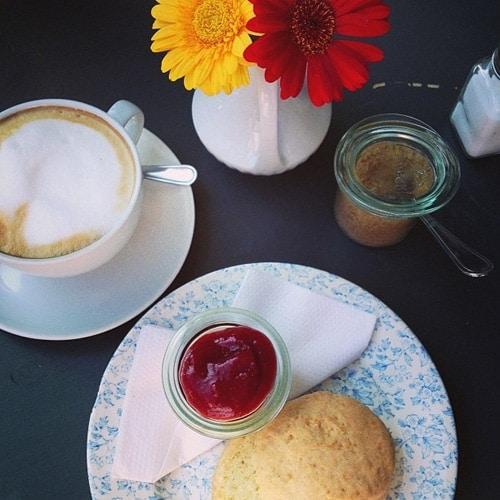 Frühstück Hallo Kleines