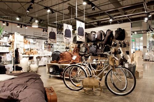 in k ln er ffnet heute der erste granit store aus schweden. Black Bedroom Furniture Sets. Home Design Ideas