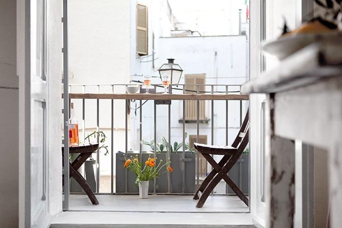 zum beispiel in italien zum beispiel in dieser irre h bschen ferienwohnung achtung geheimtipp. Black Bedroom Furniture Sets. Home Design Ideas