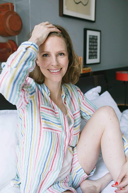 Pyjama sitzend Blogpost