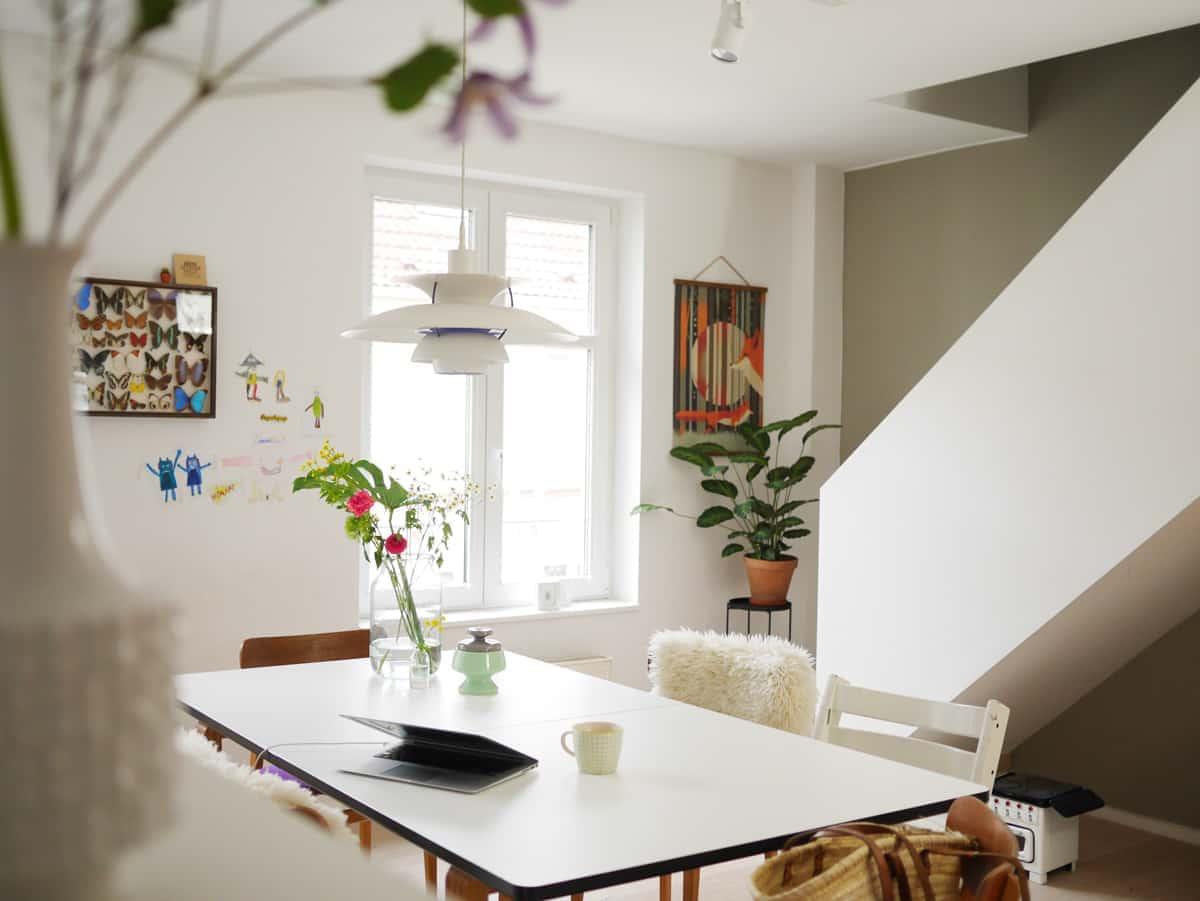 wie man ordnung h lt mit simplen stauraum tricks so mehr platz f r h bsche deko hat 7 tipps. Black Bedroom Furniture Sets. Home Design Ideas