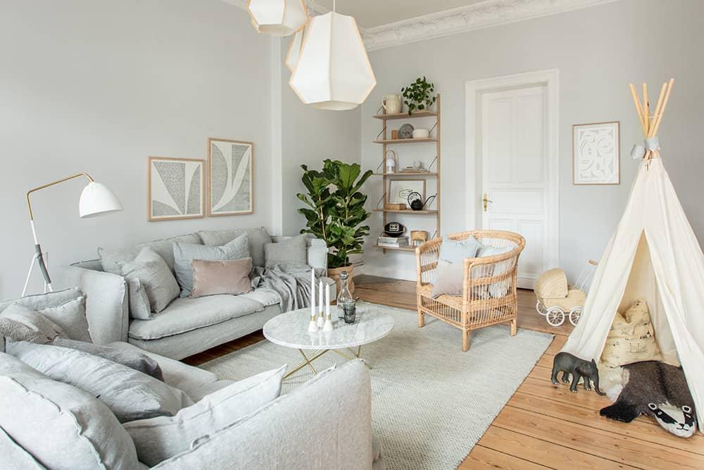 und hier ist es unser neues wohnzimmer ganz langweilig in grau oder ist das supersmart plus. Black Bedroom Furniture Sets. Home Design Ideas