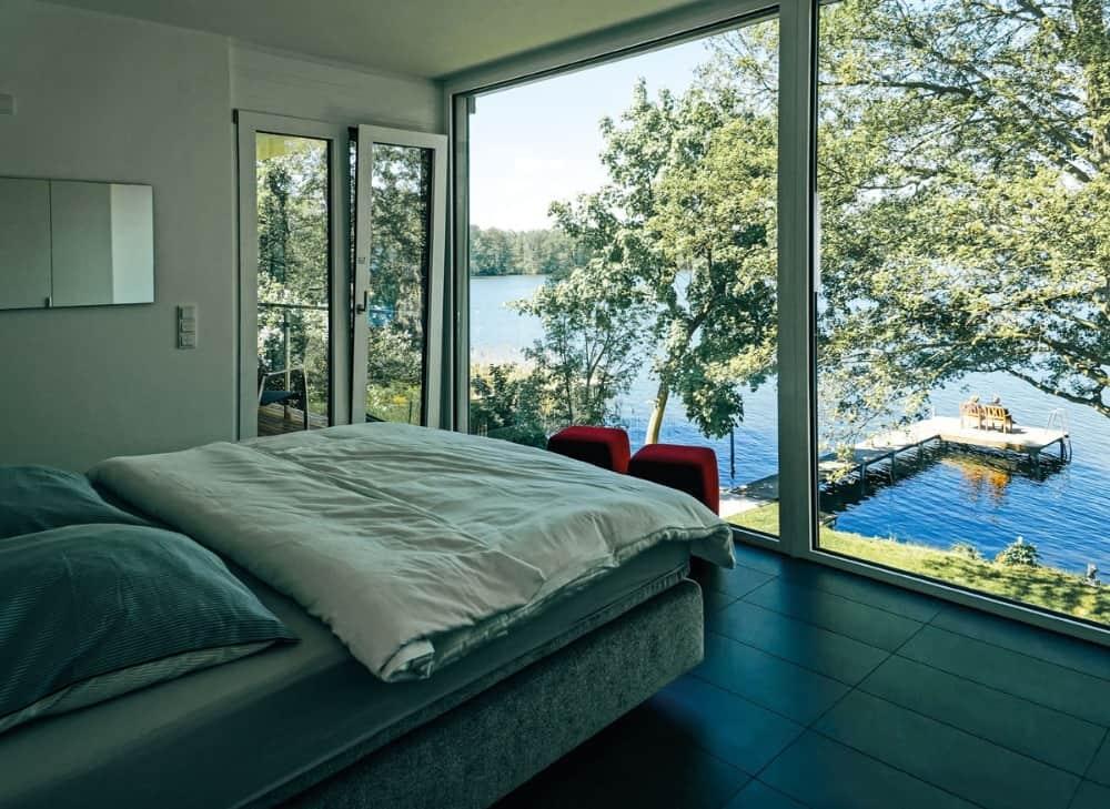 Schlafzimmer mit Blick auf den See, Refugium am See